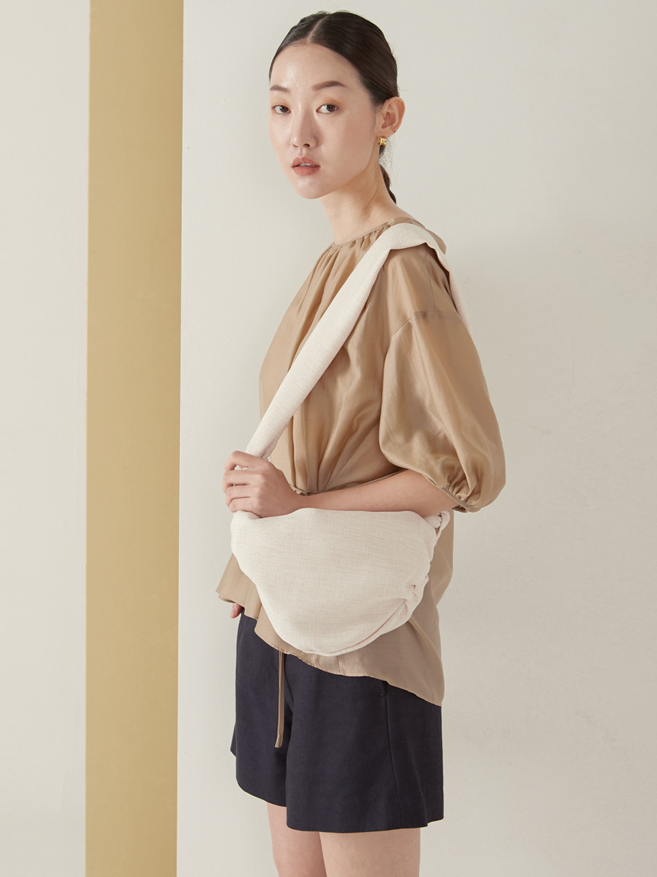 Dumpling mini bag_natural ivory