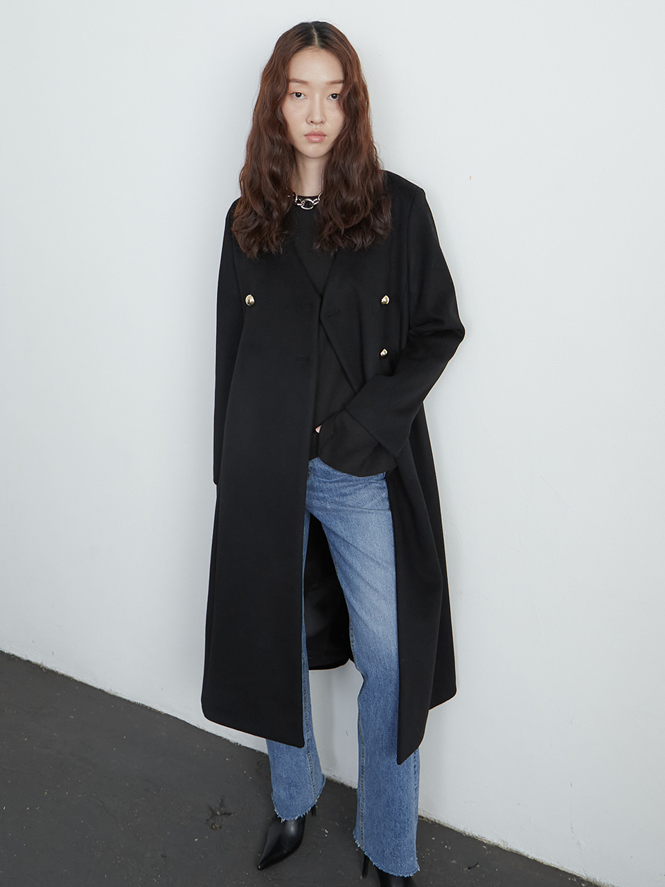 Collorless coat_black