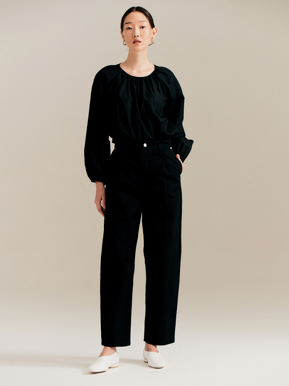 Wide tuck pants_black